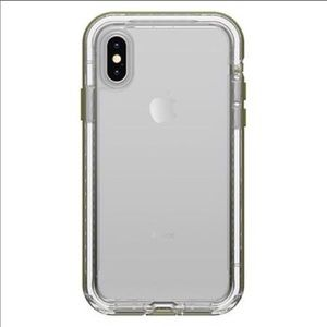 iPhone XR forest green lifeproof NEXT case